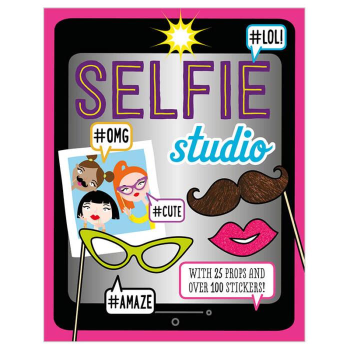 First Spread of Selfie Studio (9781785985355)